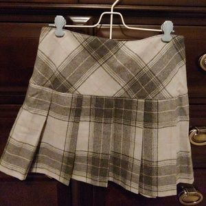 Grey and Pink plaid, pleated, wool skirt